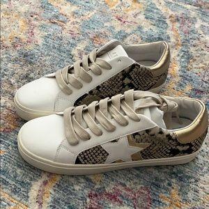 Steve Madden Sienna Star Sneakers